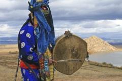 Buryat-Shaman-Summoning-Spirits.jpg